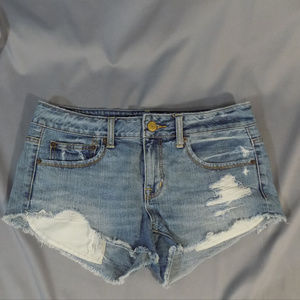 American Eagle brand short distressed shorts